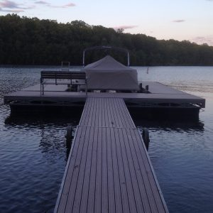 Truss frame floating docks on Lake Wallenpaupak