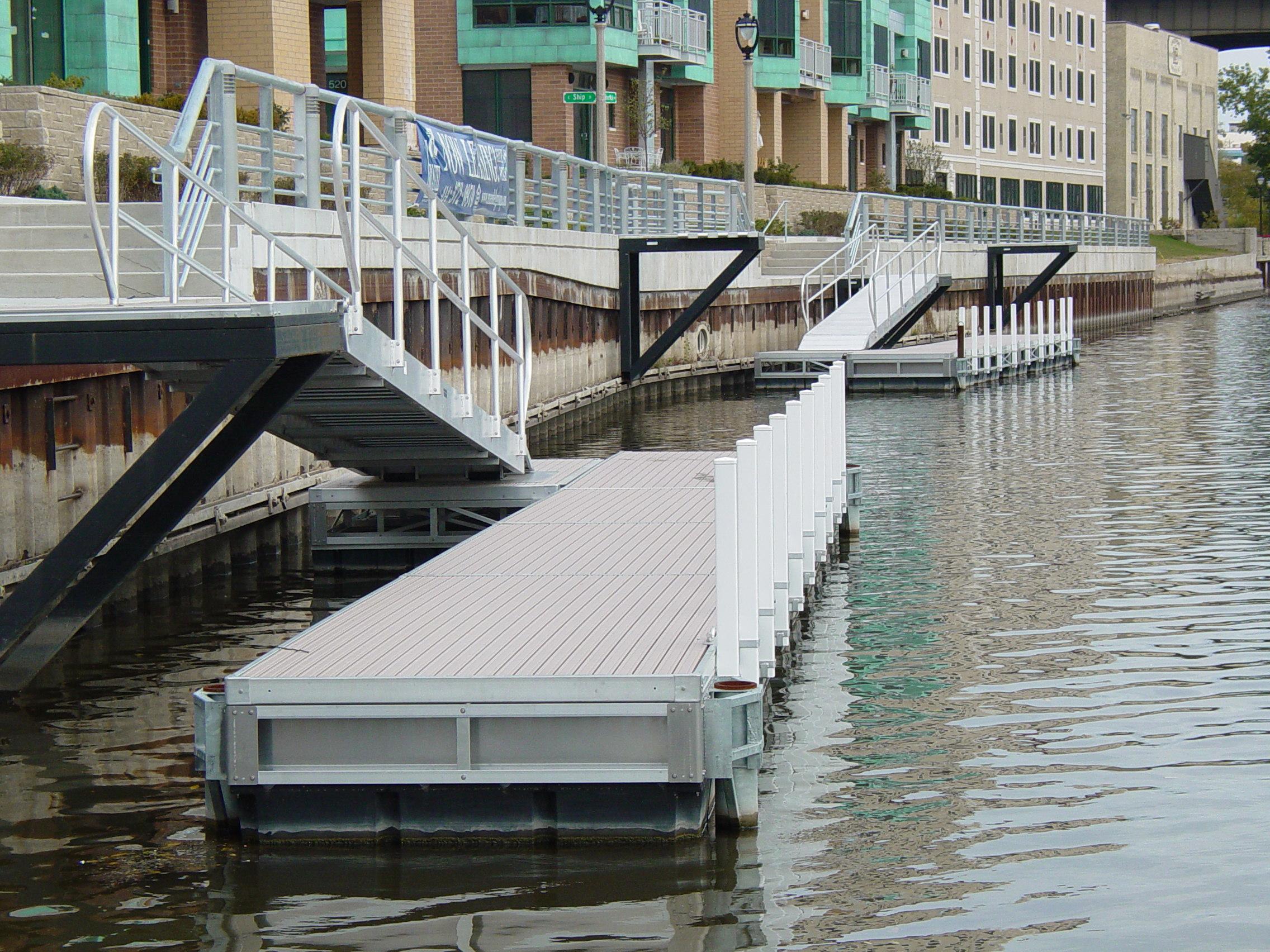 Heavy Duty Floating Docks